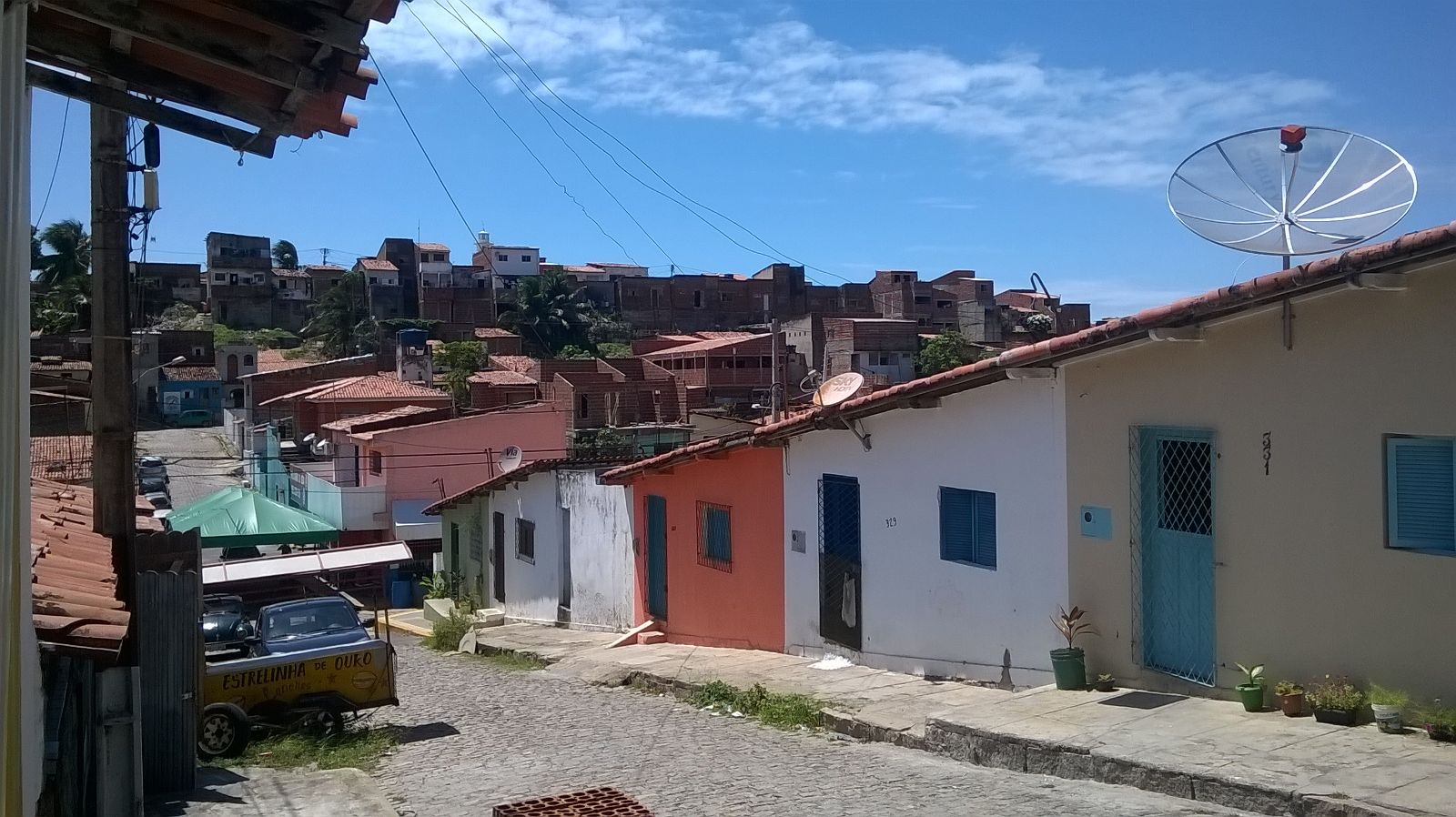 Straße in Mãe Luiza