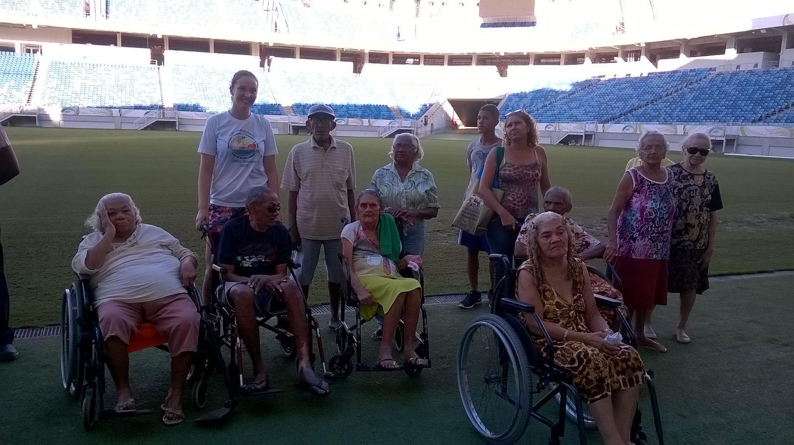 Bild der Senioren im Fußballstadion