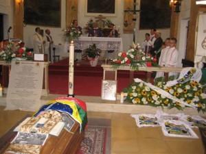 Bild von der Requiemsituation in Sabinos Heimatgemeinde © Joachim FrKr ML