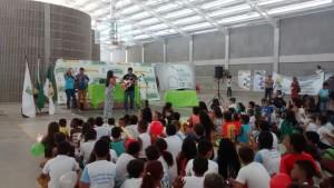 Das Ferienprogramm im Sportstadion war ein großer Erfolg. © Centro Sózio / Fala Mãe Luiza