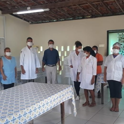 Auch hier tragen die Angestellten nun Schutzmasken © Espaco Solidario / Centro Sózio