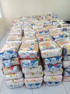 Lebensmittelpakete im Centro